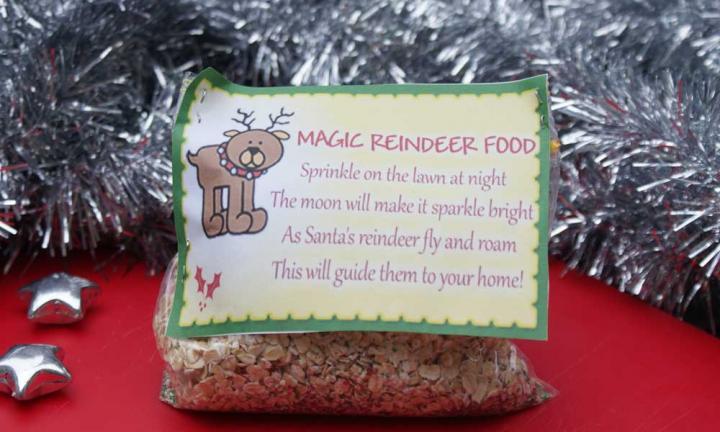 "Bag of \""homemade\"" magic reindeer food for family Christmas activity."