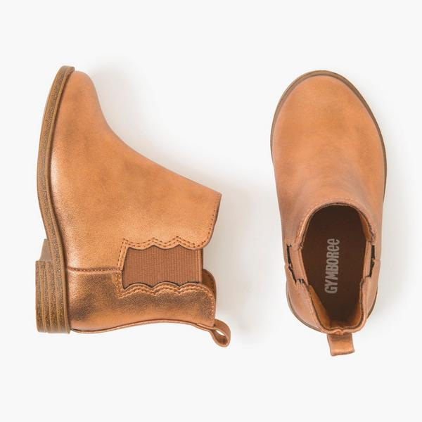 Camel baby girl boots.