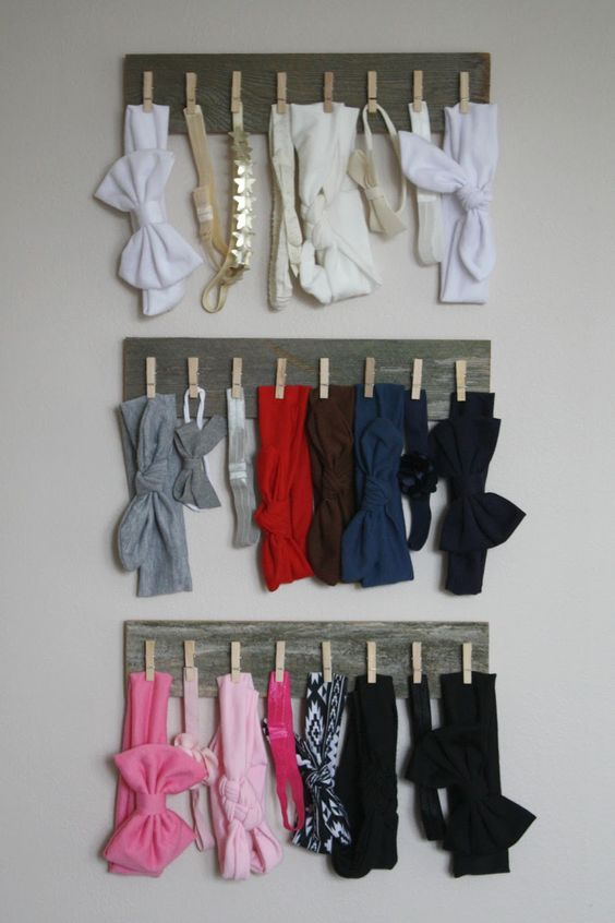DIY bow storage for nursery.