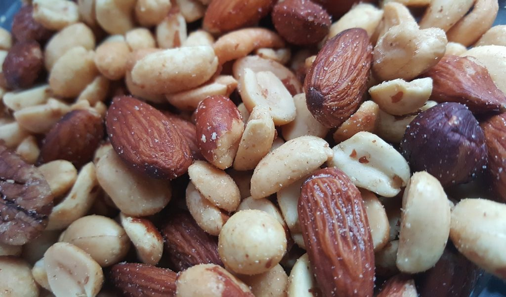 Mixed nuts with almonds.